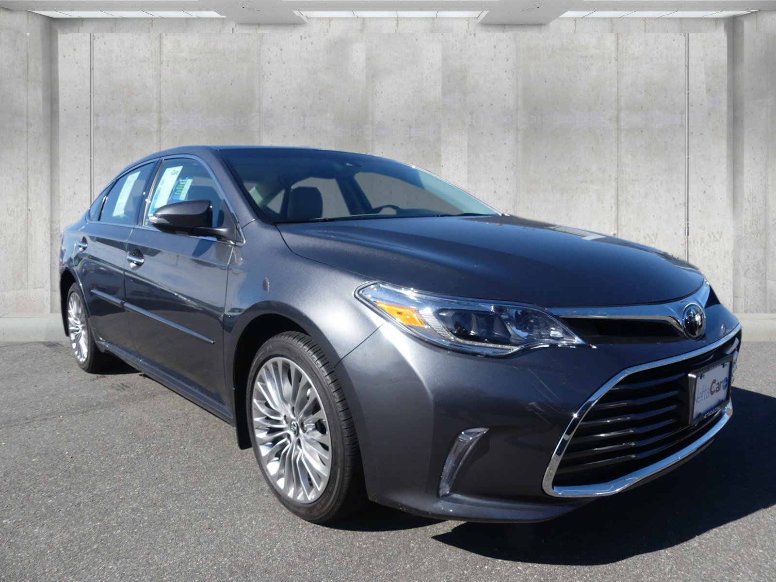 Pre Owned 2017 Toyota Avalon Limited
